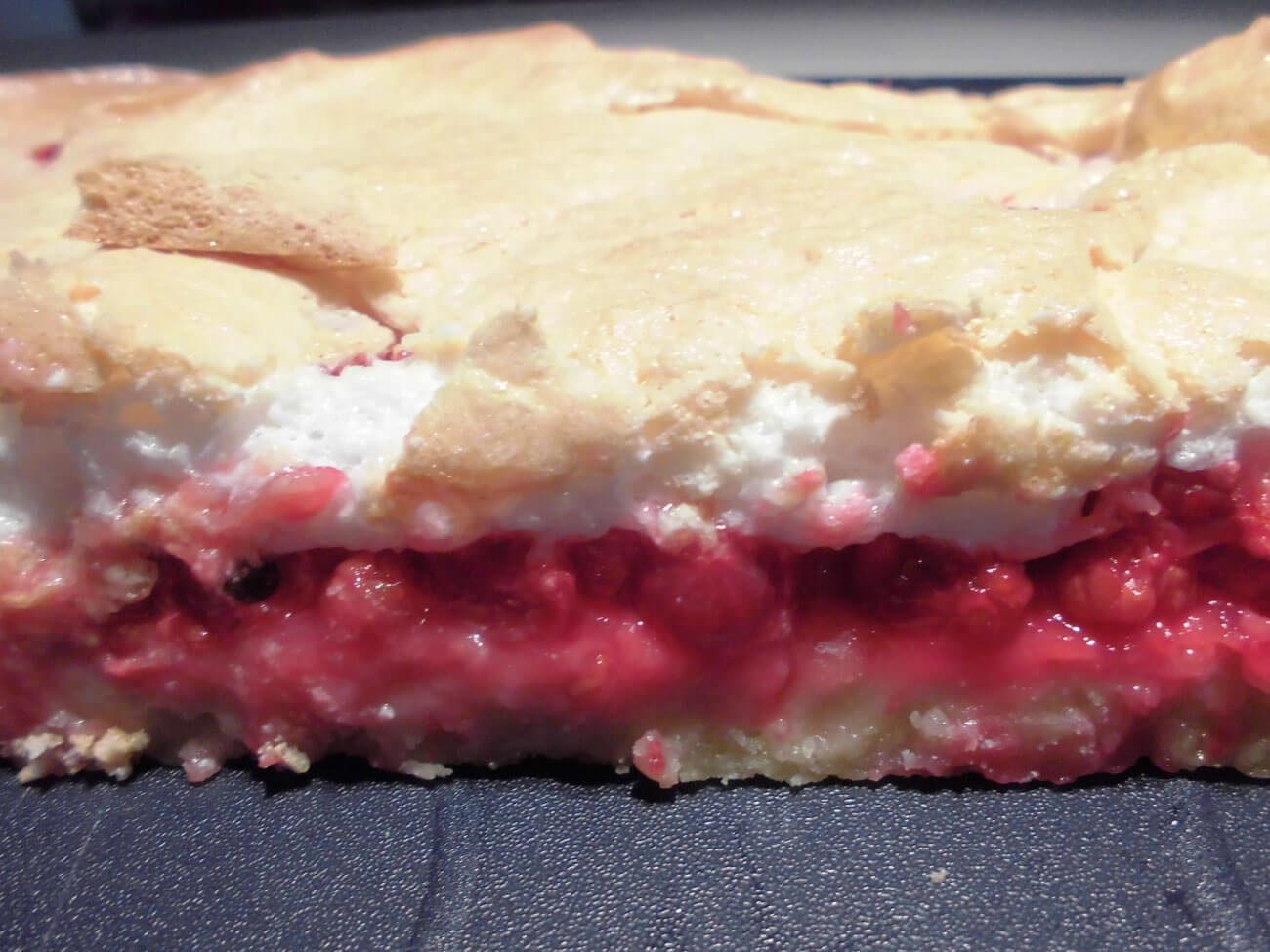 Ribisel-Baiser-Kuchen